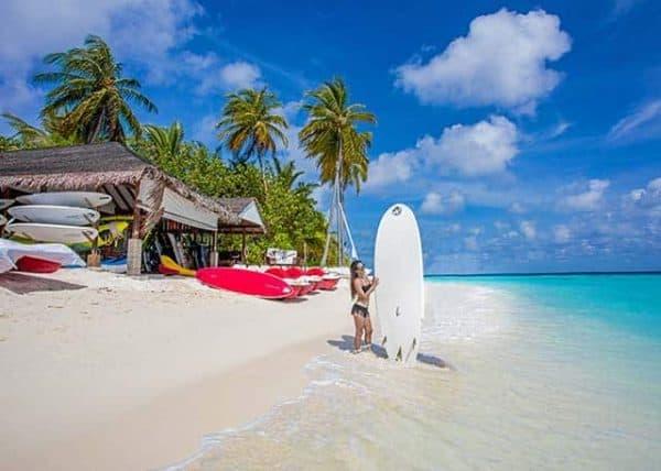 Maldivene Centara Grand Island Resort & Spa